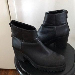 Zara Rubber Soul Black Chunky Booties; Lug Sole